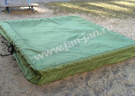 Чехол на песочницу из непромокаемой ткани